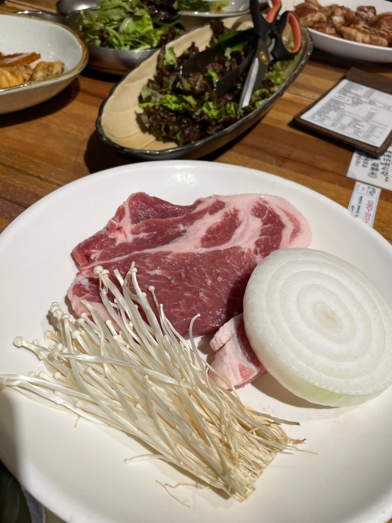 Plain pork shoulder meat