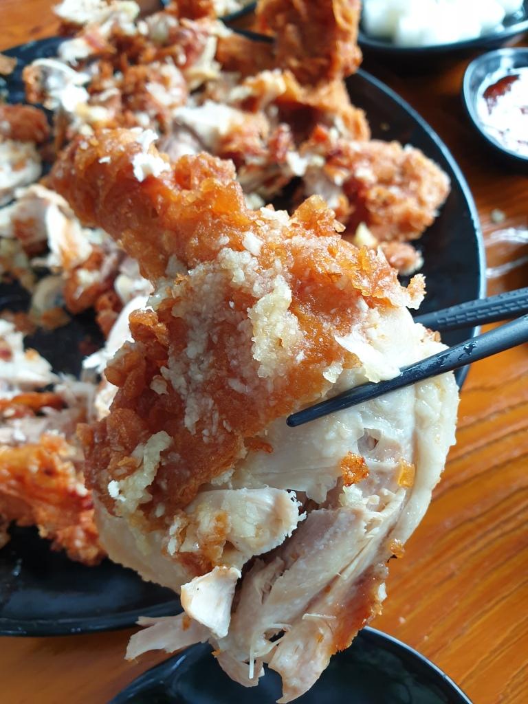 Chicken leg packed with garlic!